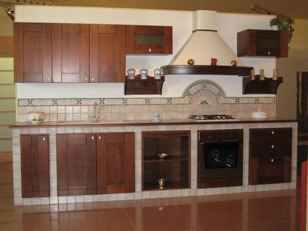 Cucina muratura chiramonte ragusa sicilia mobilificio for Cucina moderna quanto costa