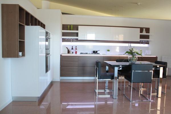 Cucine Bianche Lucide. Excellent Cucina Moderna Lucida With Cucine ...