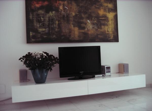 Parete attrezzata chiaramonte ragusa sicilia mobilificio - Parete attrezzata bianca ...