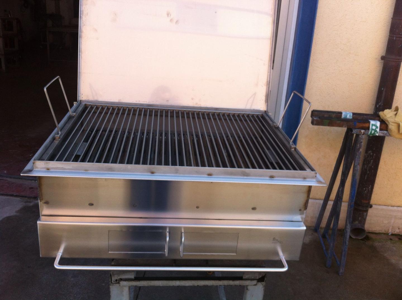 Barbecue in acciaio inox aisi 304 con griglia alcamo for Peso lamiera acciaio inox aisi 304