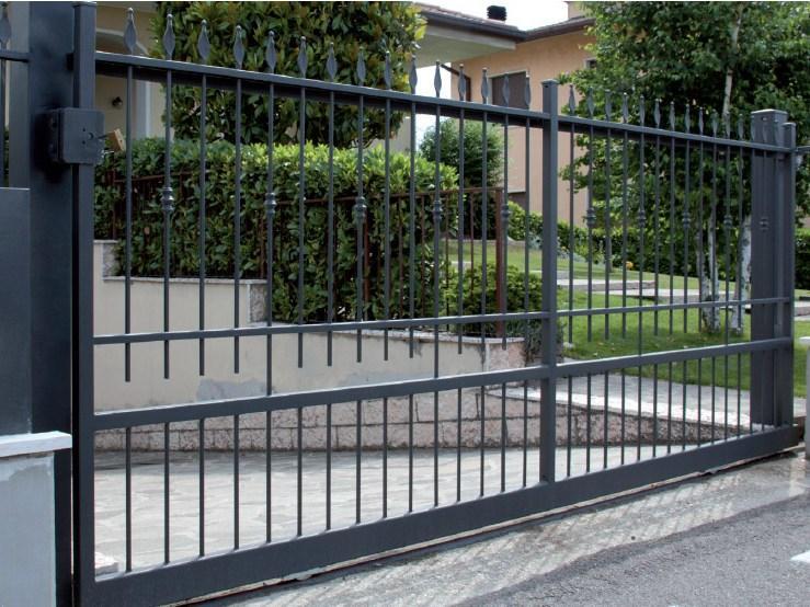 Cancello scorrevole in ferro zincato alcamo trapani for Cancello scorrevole monoblocco