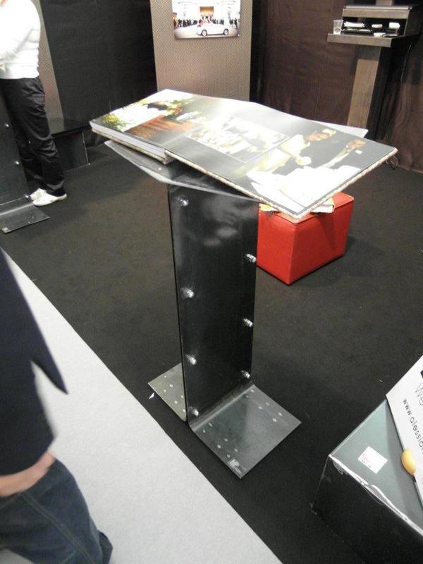 Arredo di design per negozi a catania metal projects catania for Arredo in via cavaliere catania