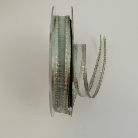 Decoro organza verde con cuciture argento pbs fondo verde 15mm