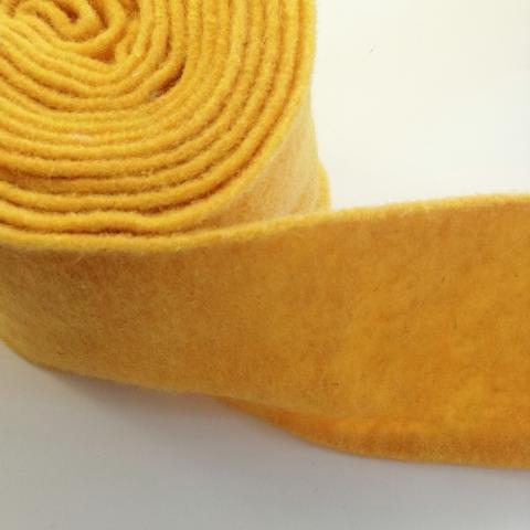 fascia di feltro in lana cotta colore giallo senape stafil 15cm x 1 mt