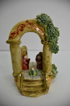 Presepe in ceramica con arcata Produzione artigianale di Caltagirone  h.15