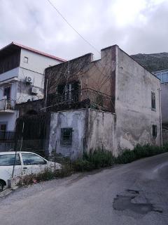 Fabbricato indipendente in Vendita a Palermo