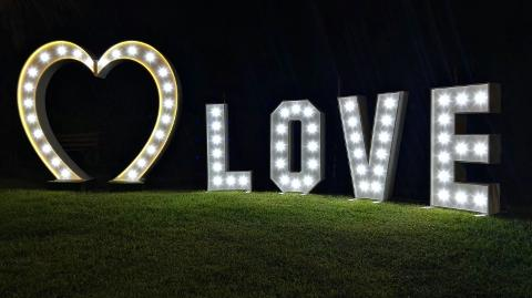 CUORE LUMINOSO PER MATRIMONIO Wedding Lights Cuore con Luci per Matrimonio