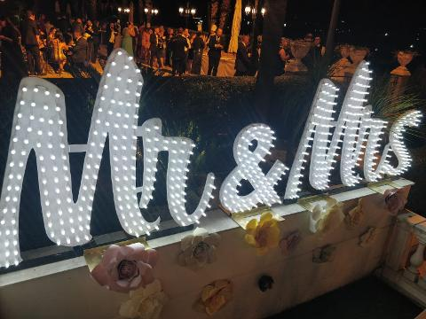 SCRITTA LUMINOSA MR & MRS  Wedding Lights Scritta Mr e Mrs per Matrimonio