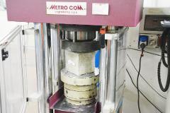 Prove di Compressione su Calcestruzzo indurito