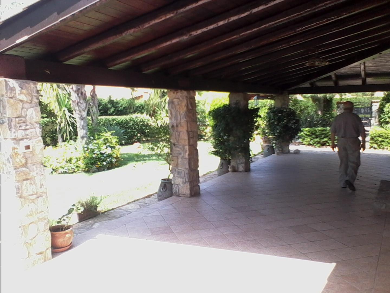 Villa in vendita a campofelice di roccella palermo cda piana calzata zonacasa srl - Piscina chiusa sclafani ...