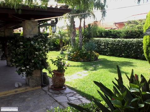 Villa in Vendita a Campofelice di Roccella (Palermo)