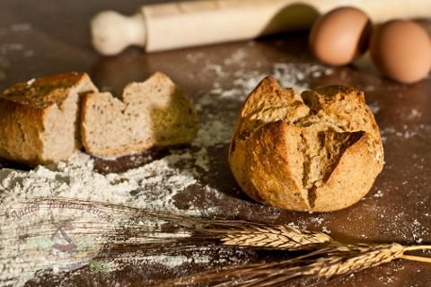 Pagnotta con semi misti (zucca, girasole, lino e papavero) a lievitazione naturale di Grano duro da 250 gr. (.ca)