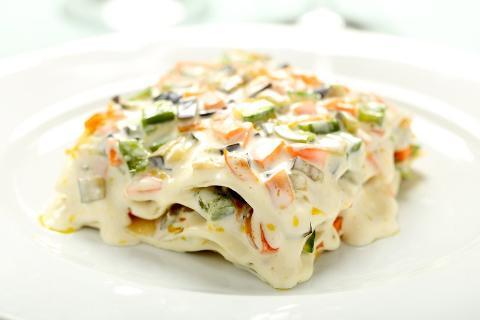 Lasagne biologiche di pasta fresca  nella variante vegetariana con verdure di stagione