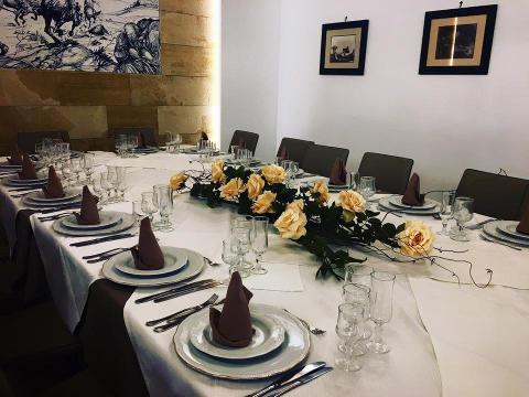 Centrotavola floreale per tavolo imperiale