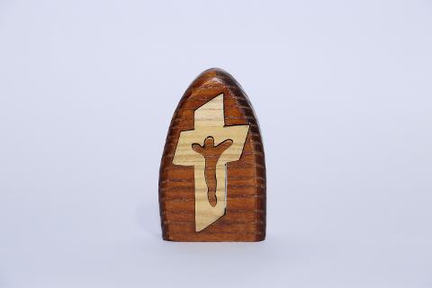 Crocifisso in legno ovale