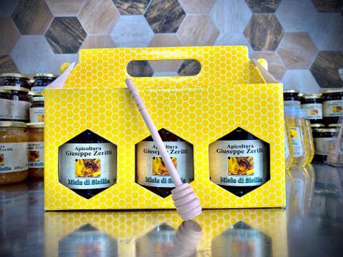 """Composizione miele da 3 vasetti + Spargimiele grande - Miele di Sicilia - """"Apicoltura Giuseppe Zerilli"""" 3 x 500 g"""