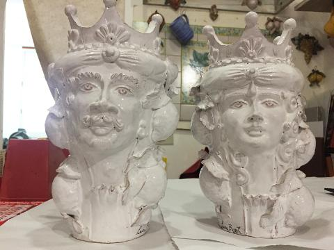Teste di moro in ceramica bianca Laura Buzzetta ceramica arredo