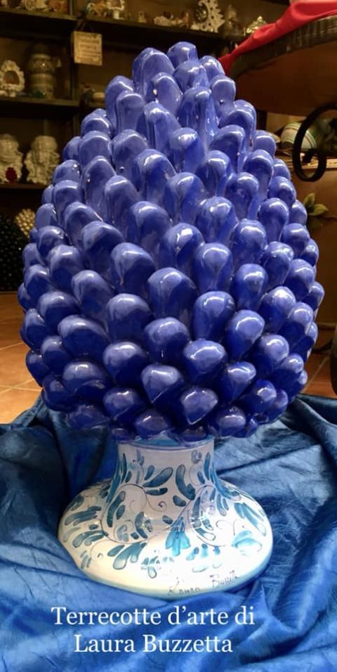 Pigna blu cobalto con base decorata altezza 40 cm Laura Buzzetta sicilia