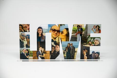 """Scritta """"LOVE"""" Foto-Collage in Plexiglas Regplex Personalizzata"""