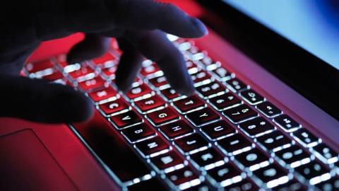 Come proteggere telefoni computer e PEC dagli attacchi informatici