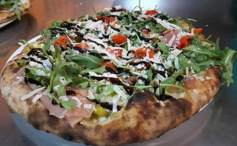 Pizza /  Sfirriusa / Pizzeria Gran Vulcano