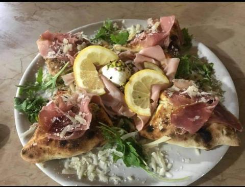 Pizza /  4 Cantuneri / A Cannara
