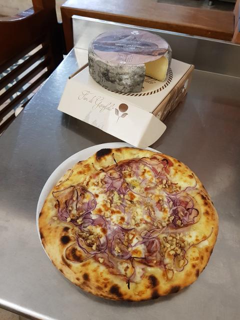 Pizza /  Golosina /  Pizzeria Gran Vulcano
