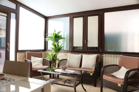 Hai deciso di realizzare una veranda e non sai quale materiale scegliere?