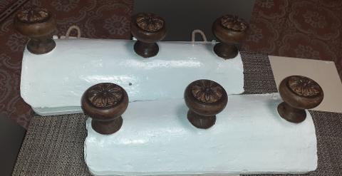 Attaccapanni fatto con le tegole Artigiano Marco Attaccapanni fatto con le tegole