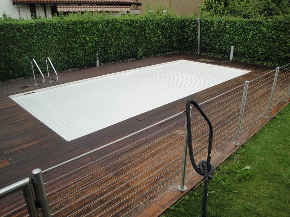 Parquet tradizionale legno massello per esterno bruno parquet parquet per esterni termini - Listoni in legno per esterni ...