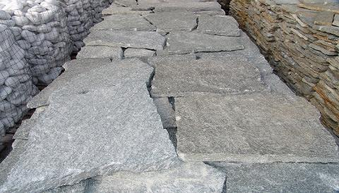 Lastre di pietra giganti cisam pg