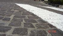 Segnaletica stradale orizzontale permanente porfido-pietra