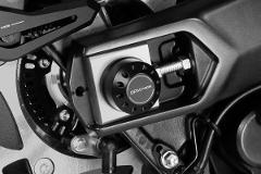 Copertura Cover Perno Ruota Posteriore Yamaha T-Max 530 2017/19 De Pretto Moto Alluminio Anodizzato Ricavato Dal Pieno Nero
