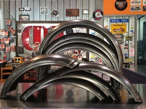 Parafango posteriore in Metallo  UNIVERSALE Grezzo con Terminale Tondo
