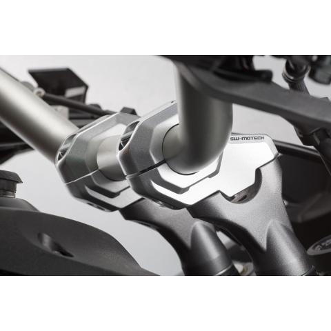 Kit Riser Alza Manubrio Reclinati  sw-motech Sezione Variabile 28/22 Spostamento Retro 21mm colore silver