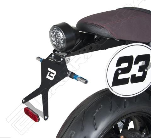 Kit Targa  Portatarga  Regolabile Yamaha XSR 900 Barracuda Reclinabile Alluminio anodizzato nero con snodo in acciaio