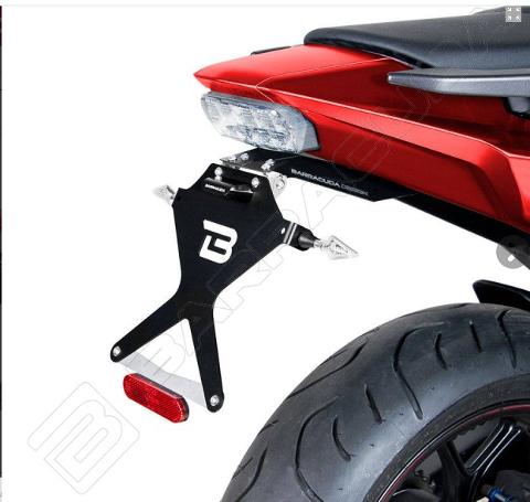Kit Targa  Portatarga  Regolabile Honda NC750X NC750S 2016-2020 Barracuda Reclinabile Alluminio anodizzato nero con snodo in acciaio