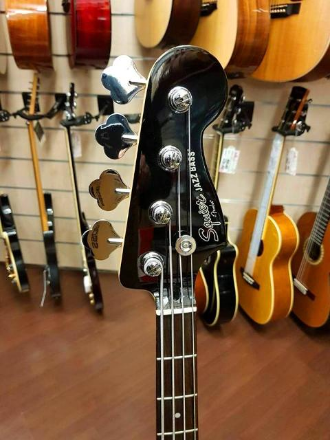 SQUIER JAZZ BASS FRANK BELLO SIGNATURE