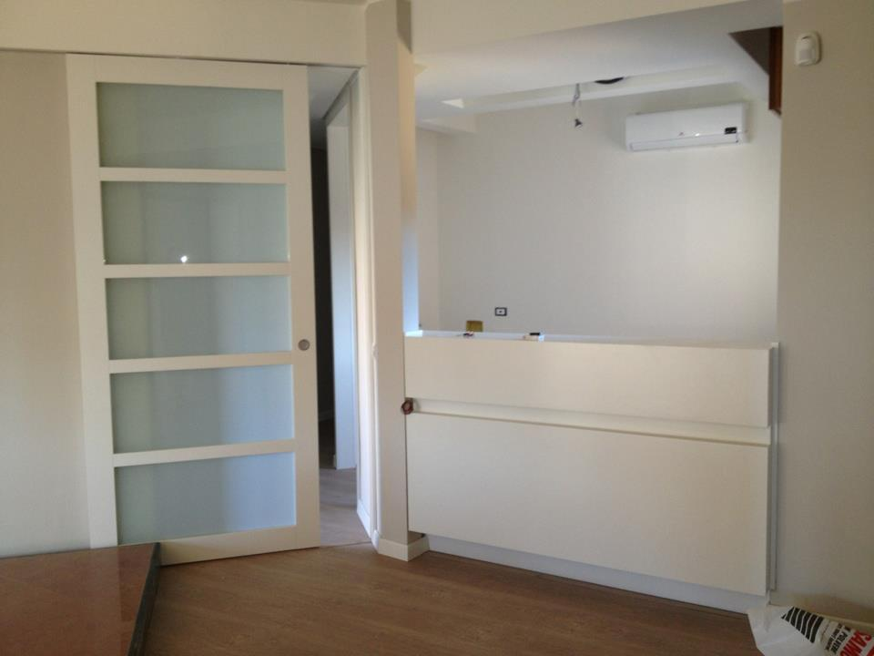 Porta scorrevole laccata con vetro opale caltagirone catania - Porta scorrevole con vetro ...