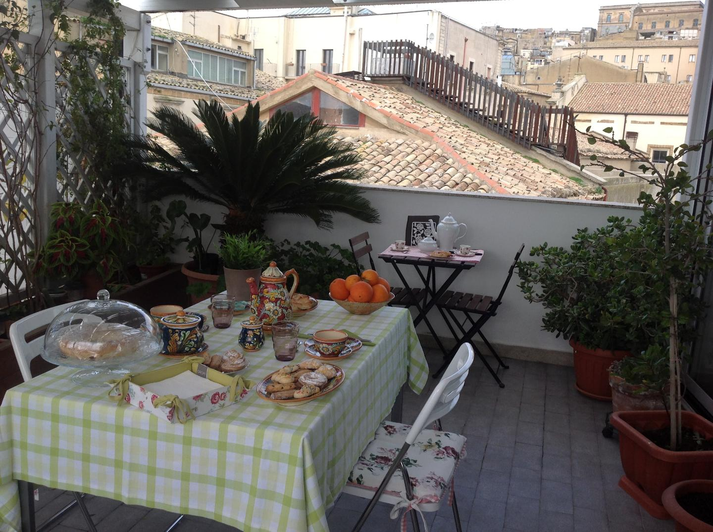 apartments rooms Bed & breakfast  Caltagirone Sicily 3200773315