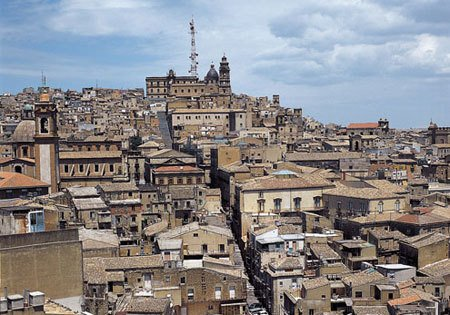 Itinerari I Carruggi soggiorno  a Caltagirone Sicilia 3200773315