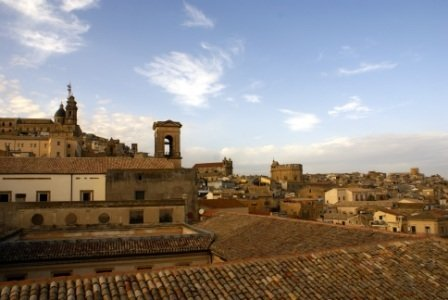 Alojamientos  habitaciones  Caltagirone Catania Sicilia 3200773315