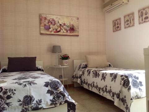 Hotel  B&B  Holiday Residence  Rooms Caltagirone