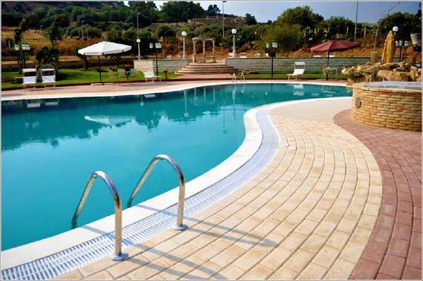 Gallery granieri fraz di caltagirone catania pag 3 for Colore per piscine