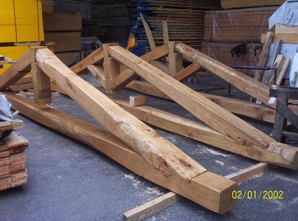 Costo Travi In Legno Per Soffitto : Capriate in lamellare di abete pino larice o con legno massello