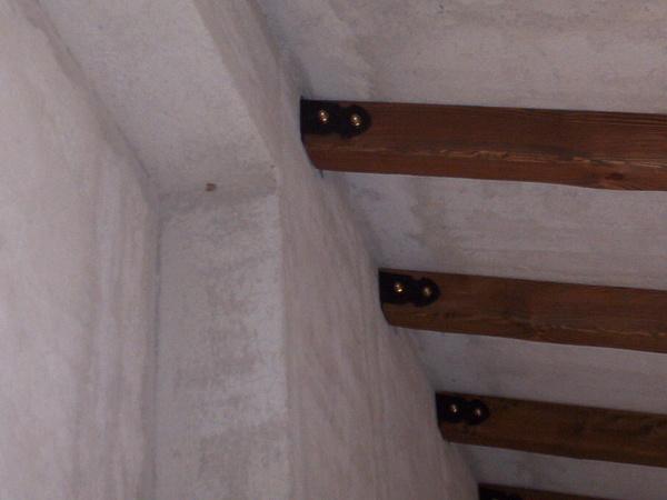 Soffitto In Legno Lamellare : Travi in legno massello o lamellari a soffitto corso legnami srl