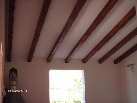 Soffitto In Legno Lamellare : Travi in legno massello o lamellari a soffitto corso legnami srl travi