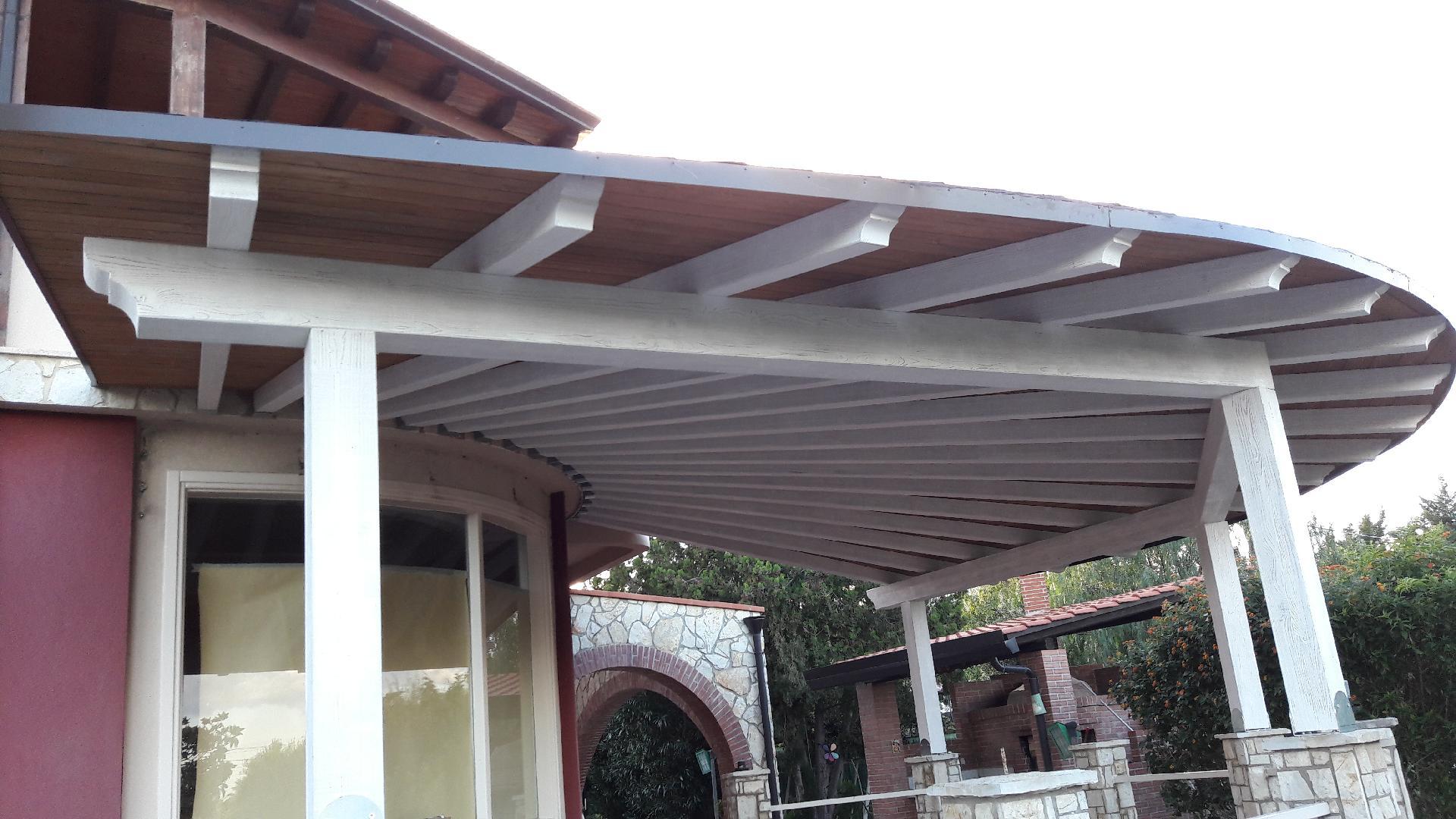 Veranda In Legno Terrazzo copertura veranda con travi lamellari e tegola canadese - le