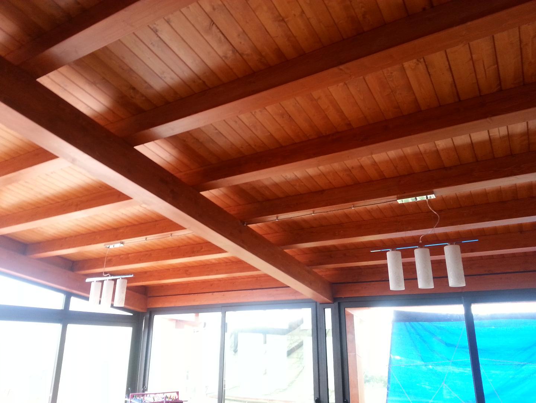 Cool travi lamellari abete with soffitto in legno lamellare for Costo del soffitto a cassettoni