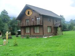 Villa in legno due elevazioni  Salamandra V13
